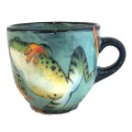 Large Cup with Pond Frog on Light Bermuda